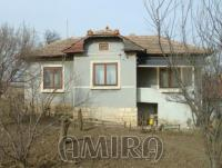 House 13 km from Dobrich, Bulgaria front