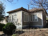 House with big plot 8 km from the beach