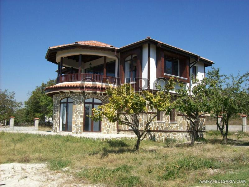 Magnificent house 25 km from Varna side
