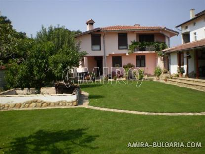 Furnished house 10km from Varna garden