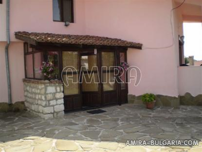 Furnished house 10km from Varna porch