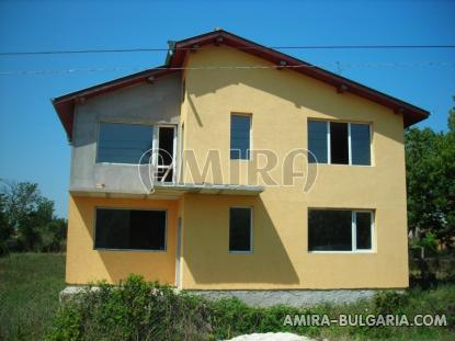 Spacious house in Bulgaria 7 km from the beach of Albena front 2