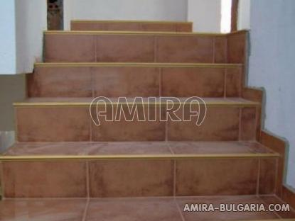 New 3 bedroom house with magnificent panorama staircase