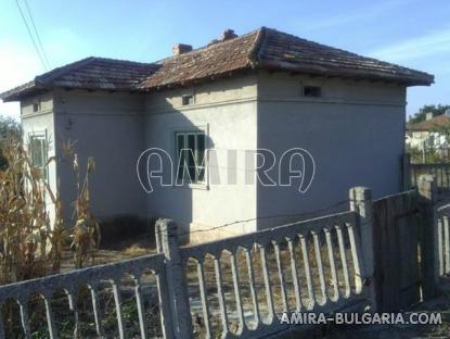 Cheap Bulgarian house 55 km from the beach side 2