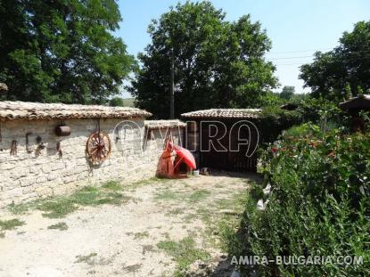 Authentic Bulgarian style house 400 m from a lake 7