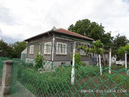 Excellent house in Bulgaria front 2