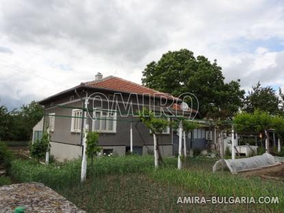 Excellent house in Bulgaria front 3
