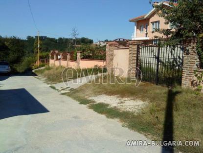 New semi-detached house near Kamchia road access