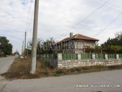 House with garage in Bulgaria 5