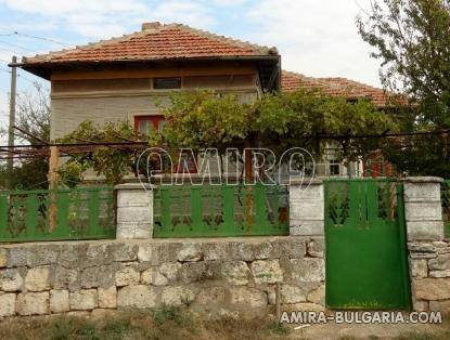 House with garage in Bulgaria 1