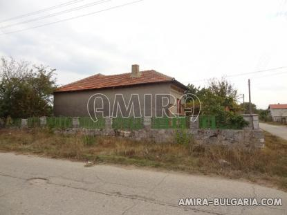 House with garage in Bulgaria 6