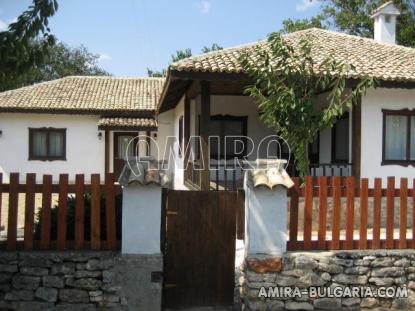 Authentic bulgarian house near the seaside 1