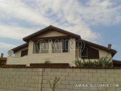 Furnished house above a golf course 1
