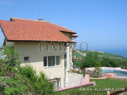 Sea view apartments in Byala pool 4