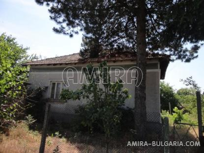 Authentic Bulgarian style house with lake view 4