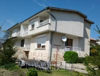 Semi-detached house 4km from the beach