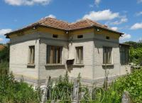 Bulgarian country house near a lake