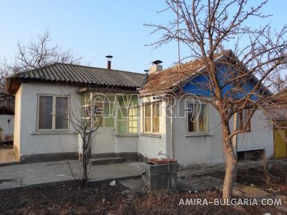 House near a lake 3km from Dobrich