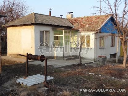 House near a lake 3km from Dobrich front
