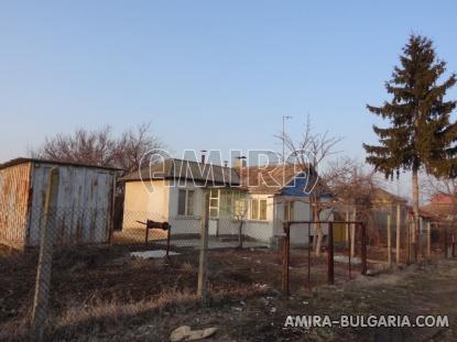 House near a lake 3km from Dobrich side 2