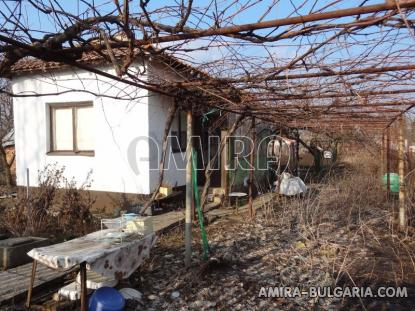 Holiday home 6 km from Dobrich garden 1