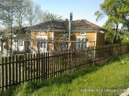 Bulgarian holiday home near a dam fence