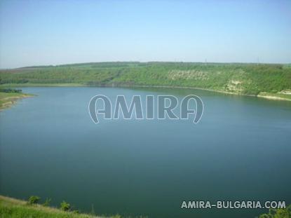 Bulgarian holiday home near a dam the lake