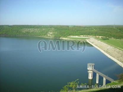 House in Bulgaria near a dam 3