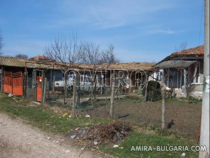 House in Bulgaria 10km from Dobrich garden 2