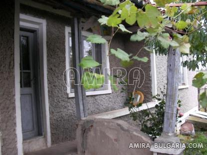 House in Bulgaria 10km from Dobrich front 2