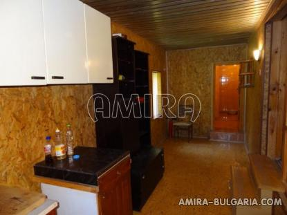 New 4 bedroom house 8 km from the beach back