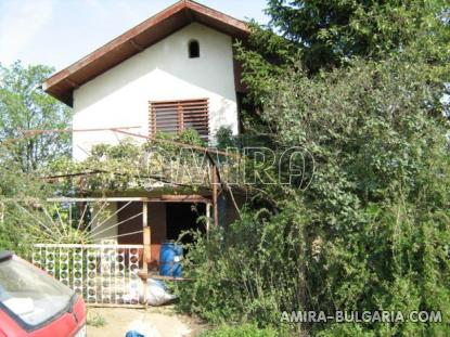 Cheap house in Bulgaria near Dobrich front 2