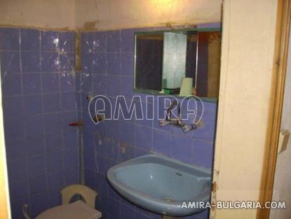 House in Bulgaria 10 km from Dobrich bathroom
