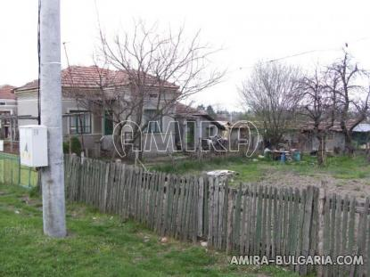 House in Bulgaria 43 km from the beach side