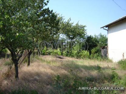 House in Bulgaria 10 km from Dobrich garden