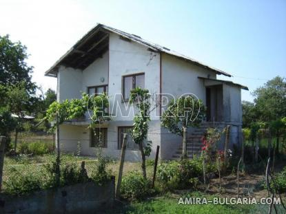 House in Bulgaria 10 km from Dobrich side